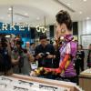 水原希子が事務所移籍後初の海外イベントに登場!未来的なファッションで香港の観客を魅了!