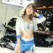 【動画】可愛すぎるコンパニオンがセクシーなヘソだしファッションで「ings(イングス)」ブースに登場!<東京オートサロン2020>