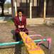 中村倫也、遊具で戯れる現場オフショットに悶絶!「メランコリックな倫也さん!」「遊具もオシャレに見えます」