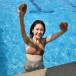 尾碕真花、写真集からプールではしゃぐビキニオフショット公開!「サイコーな笑顔」「写真集神作だよ!」と反響も
