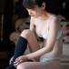 牧野澪菜、ビキニ×黒ソックスが織り成す振り向きショット「美しいです」