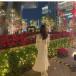 SKE48 野島樺乃、赤いバラとホワイトコーデで魅せるプライベートショット披露!「一緒に行きます?」